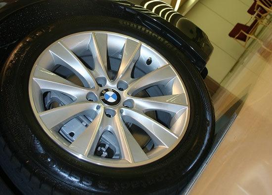 BMW_7-Series_740Li