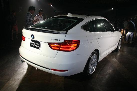 BMW_3-Series GT_320i Luxury