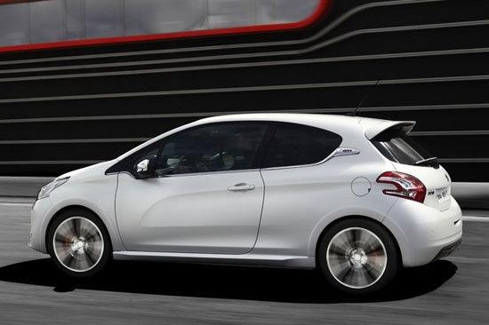 Peugeot_208_GTi
