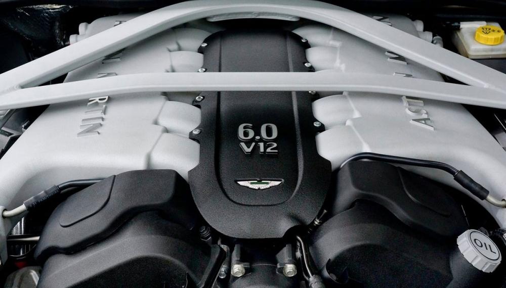 Aston Martin_DB9_6.0 V12