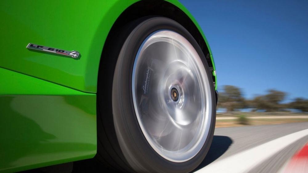 Lamborghini_Huracan Coupe_V10