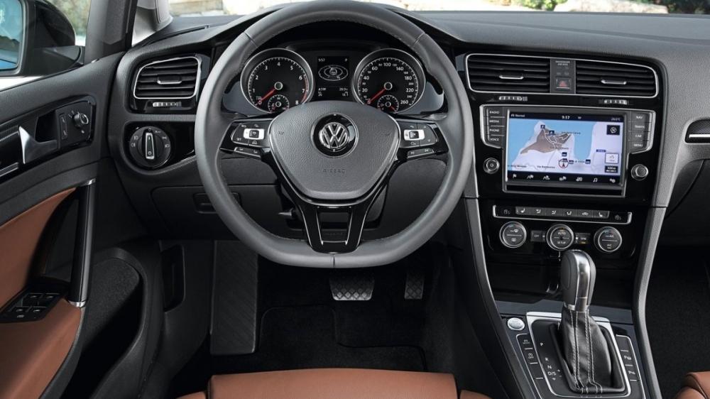 Volkswagen_Golf_180 TSI Comfortline