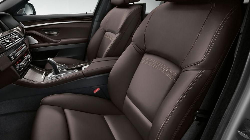 BMW_5-Series Sedan_520i Pure Luxury