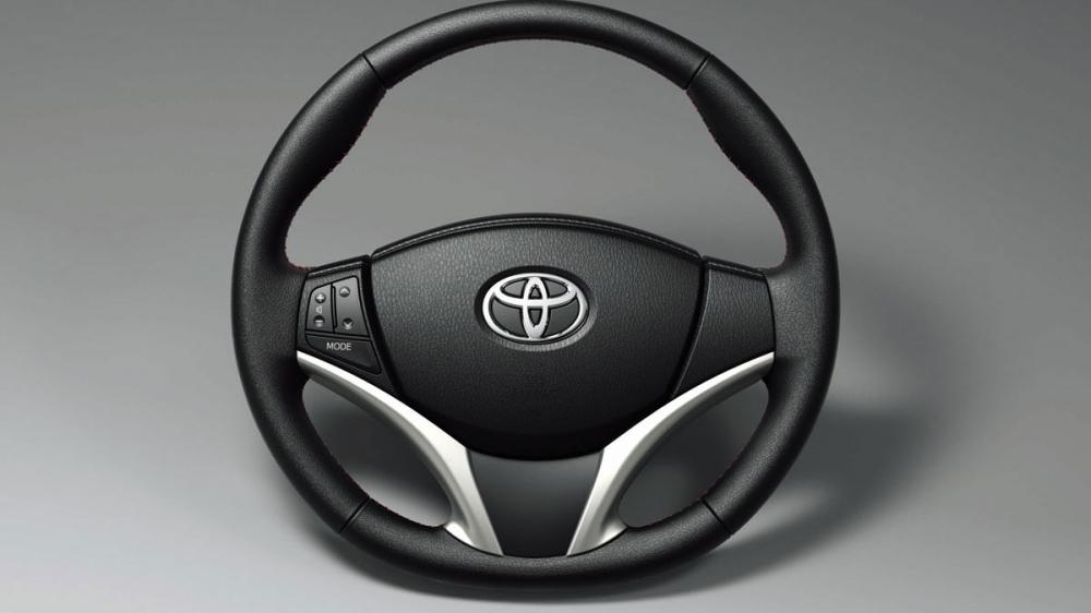 Toyota_Yaris_1.5豪華Style+