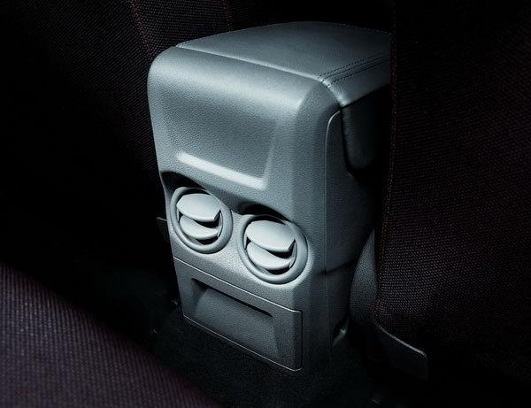 Ford_Focus 5D_Comfort 1.8經典款