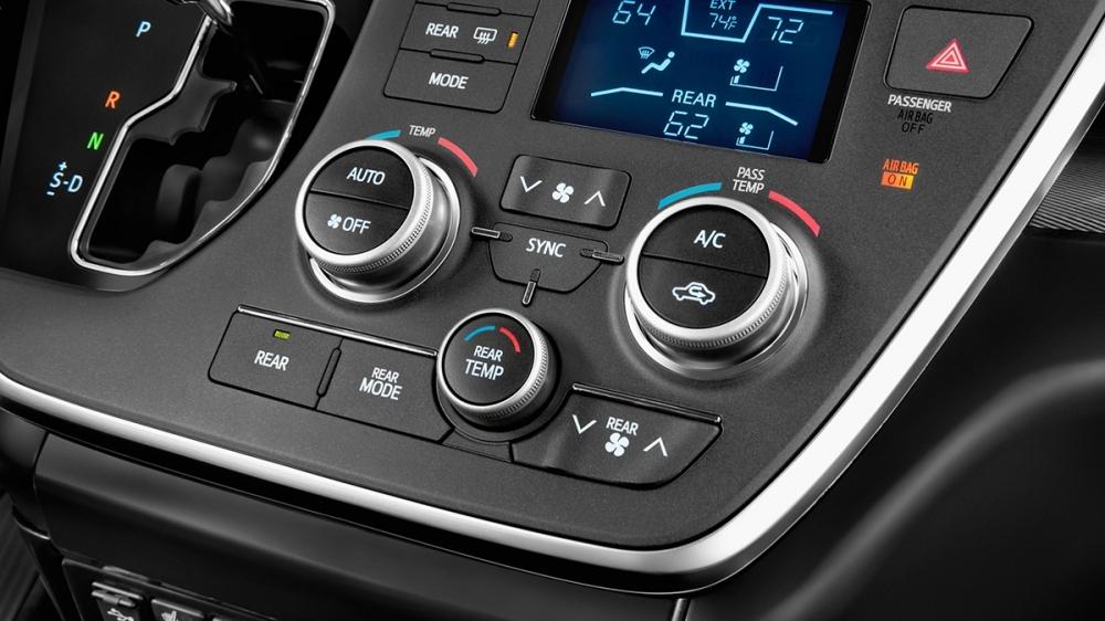 Toyota_Sienna_3.5 XLE AWD