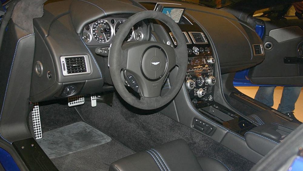 Aston Martin_Vantage_V8 S