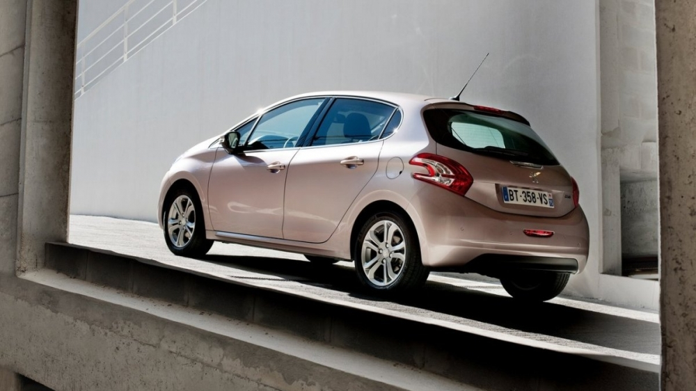 Peugeot_208_1.6 VTi AT Allure