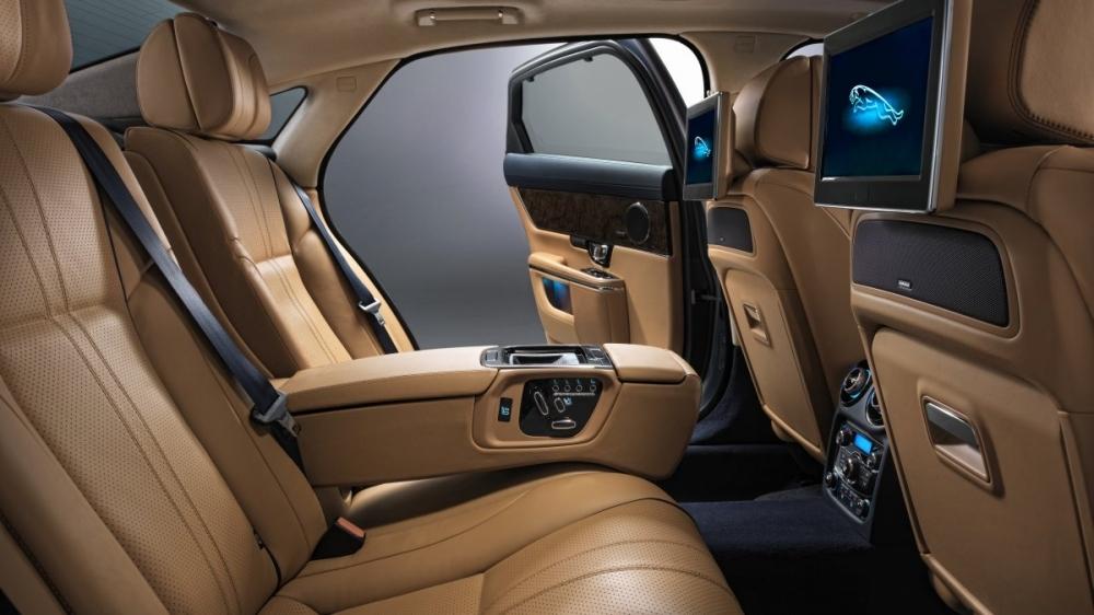 2018 Jaguar XJ L Portfolio