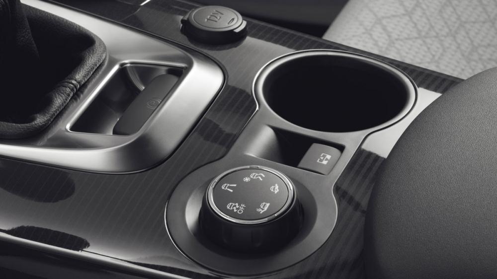 Peugeot_3008_1.6 BlueHDi Grip Control