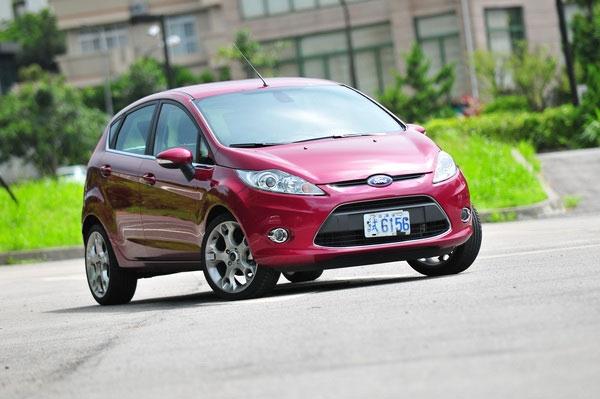 Ford_Fiesta_1.6運動版