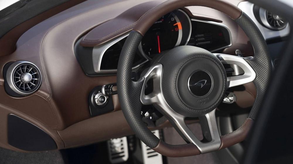 McLaren_650 S_V8