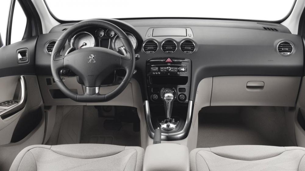 Peugeot_308_1.6 THP Design