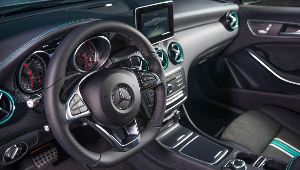 M-Benz_A-Class_A180運動版