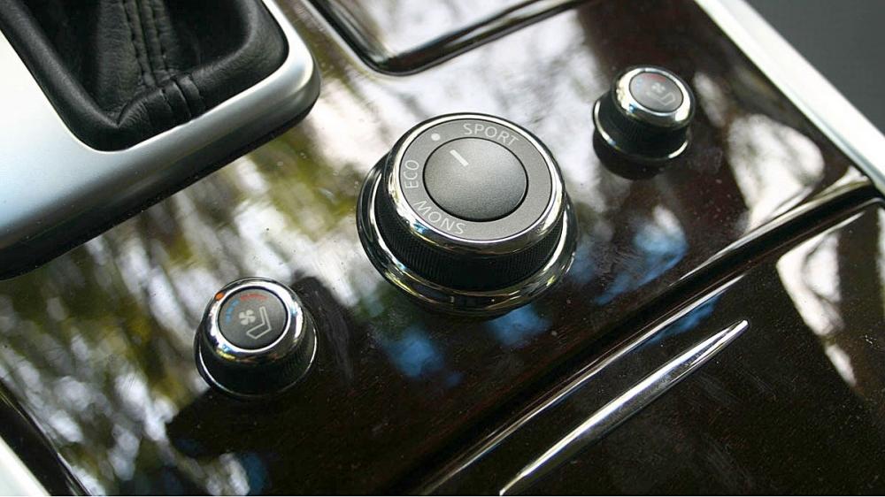 Infiniti_Q70_2.5 V6豪華款