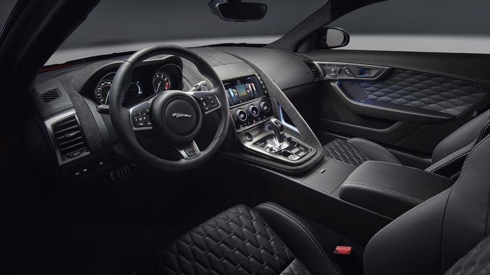 Jaguar_F-Type Coupe_SVR AWD