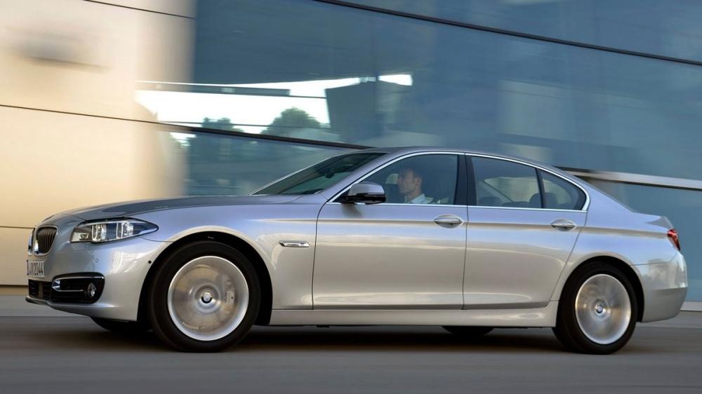 BMW_5-Series Sedan_528i Pure Luxury