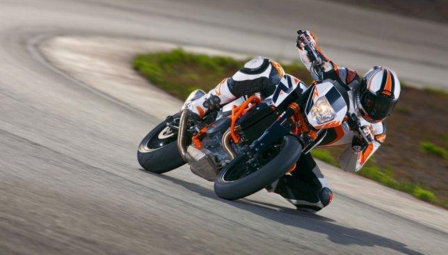 2016 KTM Duke 690 R