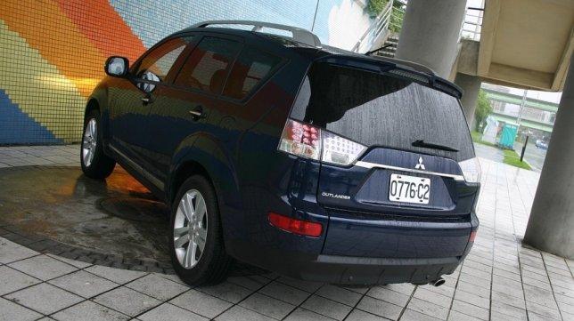 2.4 2WD豪華型